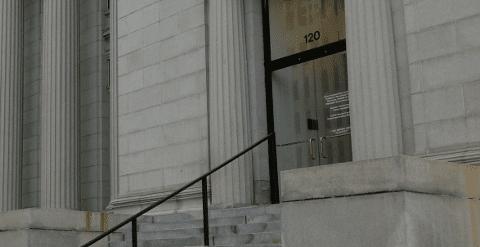 Fachada de un juzgado